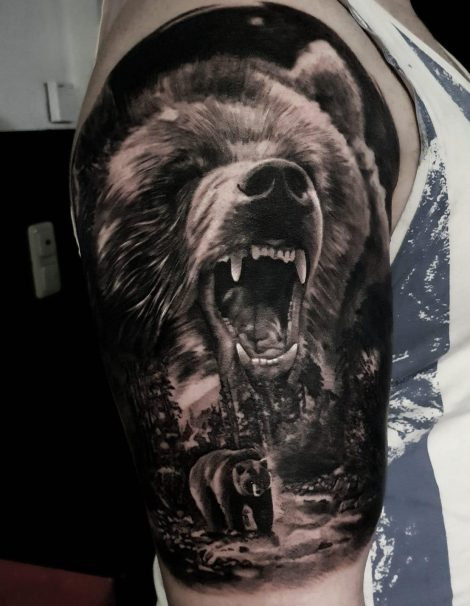 Bär Black and Grey Tattoo