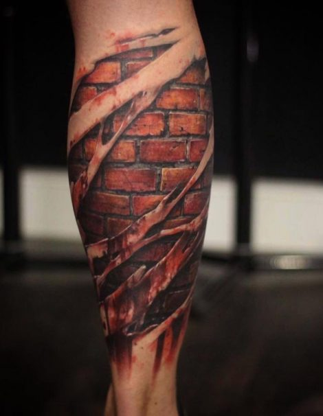 Biomechanic Unterarm Blut Color Tattoo