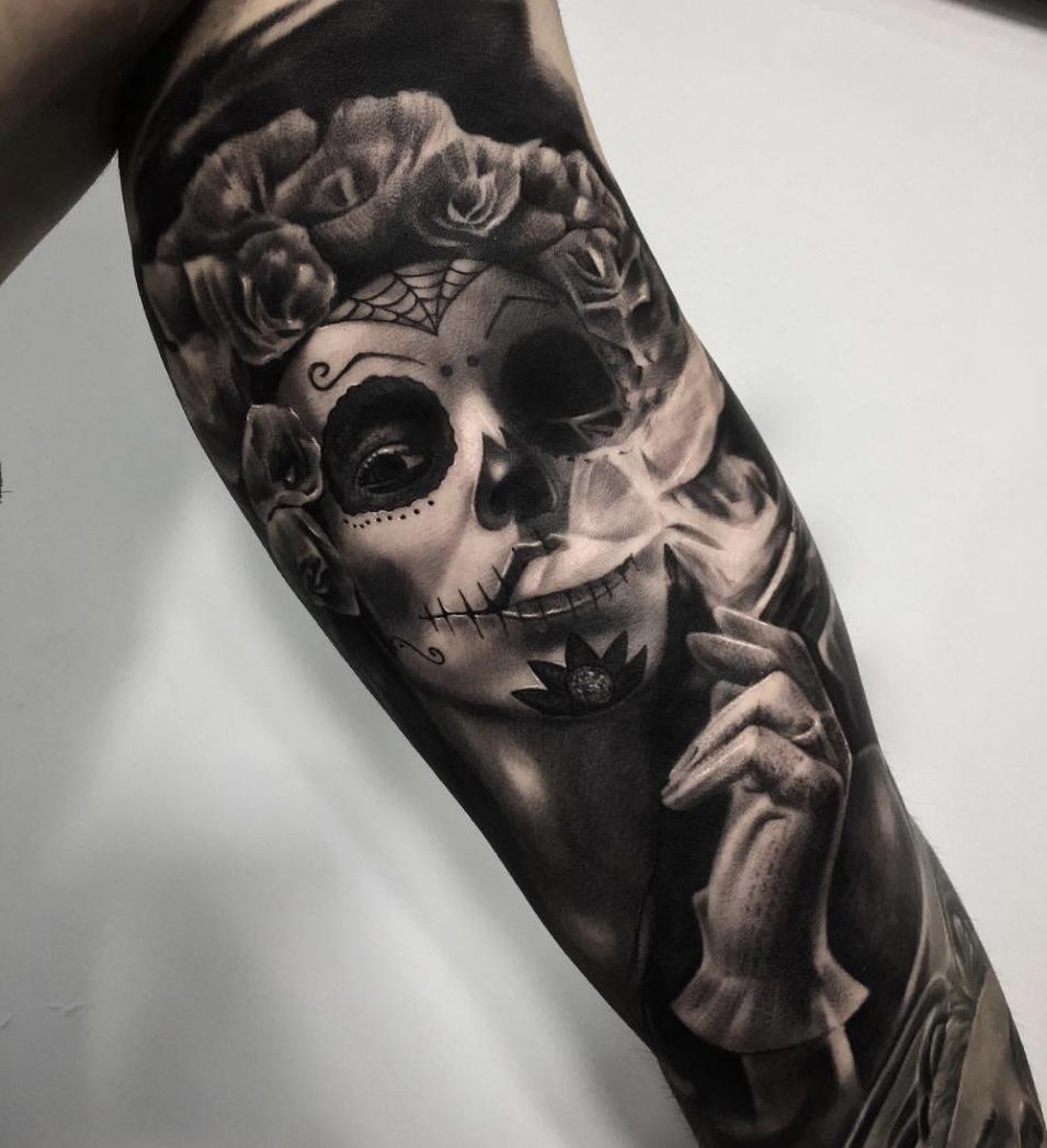 Uhr frau tattoo oberarm Tattoo Arm