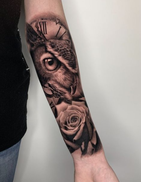 Eule mit Rose Tattoo