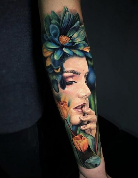 Feen Color Tattoo mit Blume