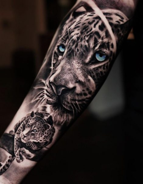 Jaguar mit blauen Augen Black and Grey Tattoo