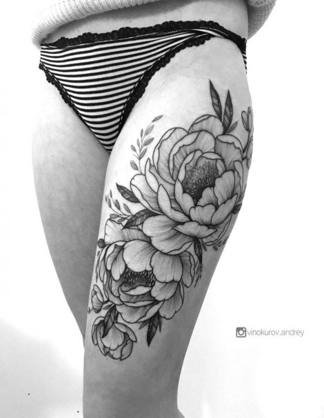 Linework Dotwork Tattoo Rose auf Bein