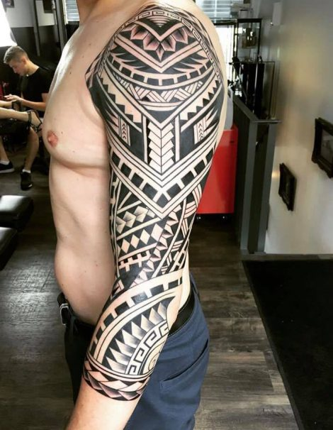 Maori Tattoo Kompletter linker Arm