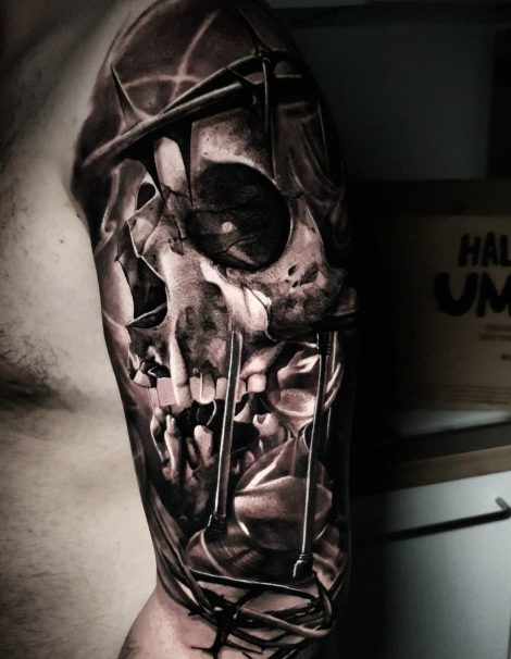 Totenkopf mit Rosenkranz Black and Grey Tattoo
