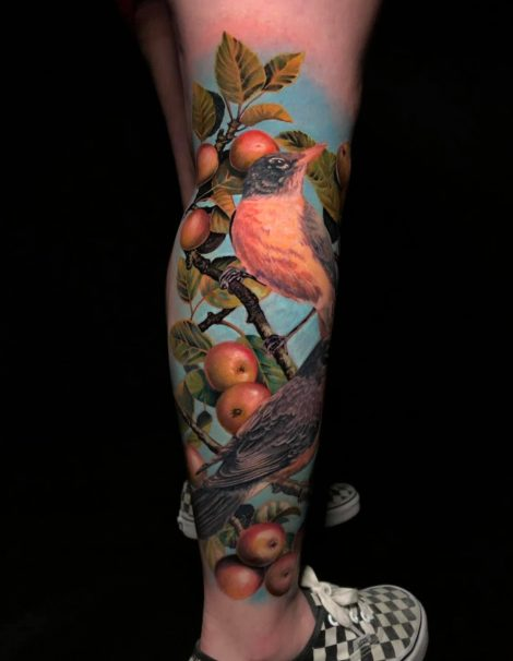 Vogel mit Beeren Ast Color Tattoo