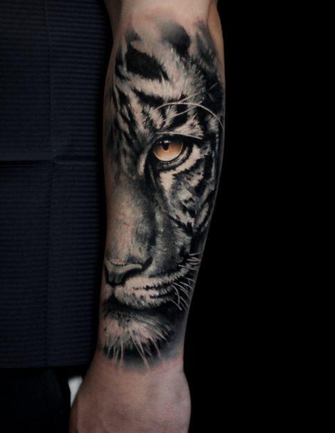 tiger-mit-leuchtendem-auge