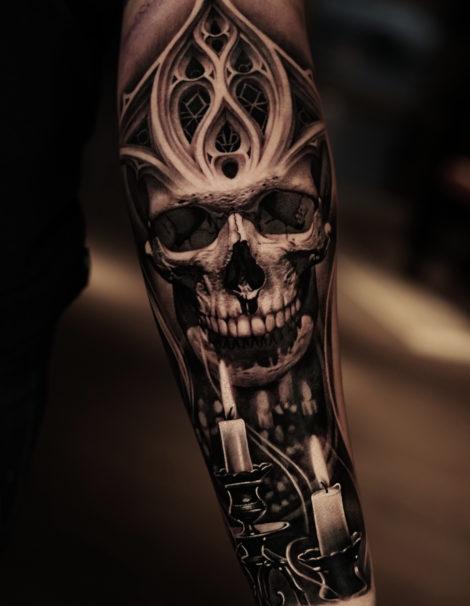 totenkopf-mit-kerze-tattoo